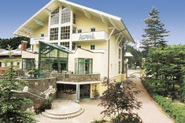 Urlaub in Österreich buchen im 3-Sterne Aparthotel Alpine in Filzmoos - Hotelansicht02